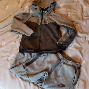 Nike Fleece Tech Sweatsuit